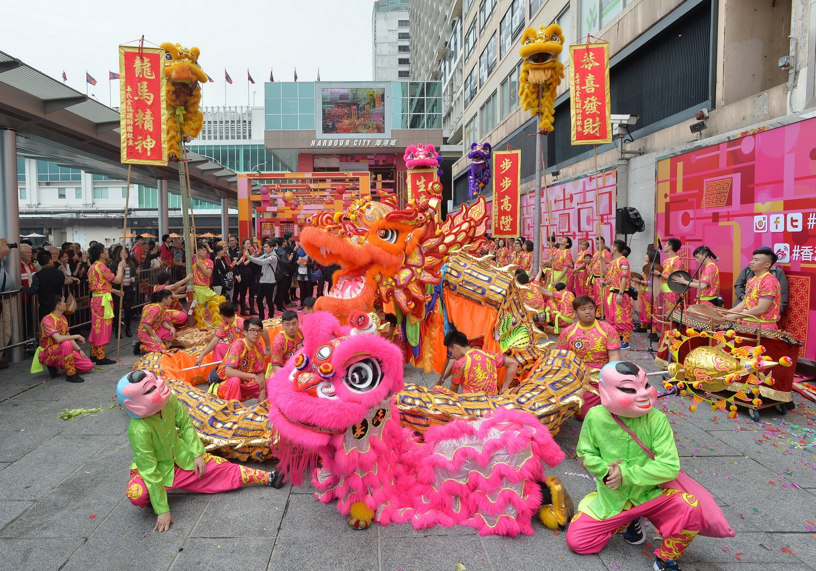 Welcoming the Lunar New Year at Ocean Terminal, Kowloon. (2015)