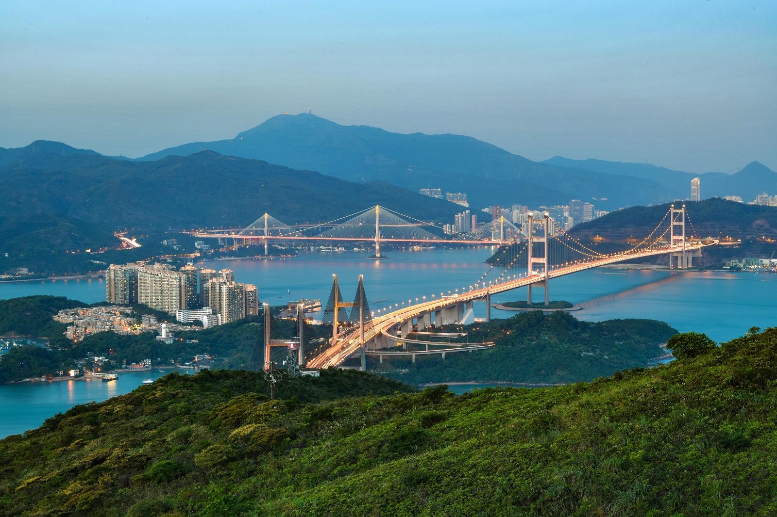 Kap Shui Mun Bridge (foreground) and Tsing Ma Bridge. (2020)