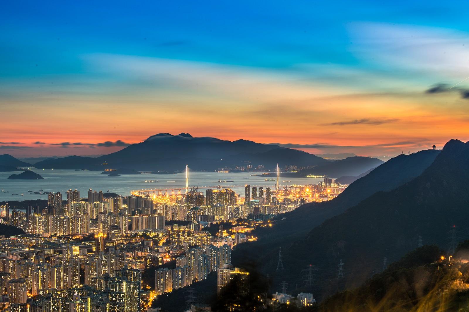 Night view from Kowloon Peak. (2020)